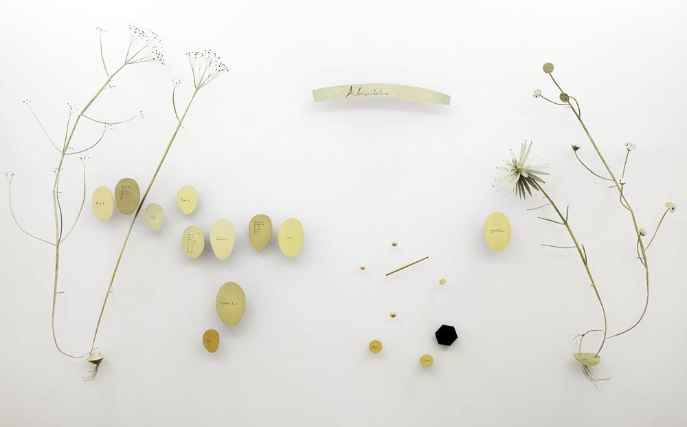 abracadabra-2012-cm-400x270x50-dimensioni-variabili-installazione-a-parete-olio-su-lamiera-di-ferro